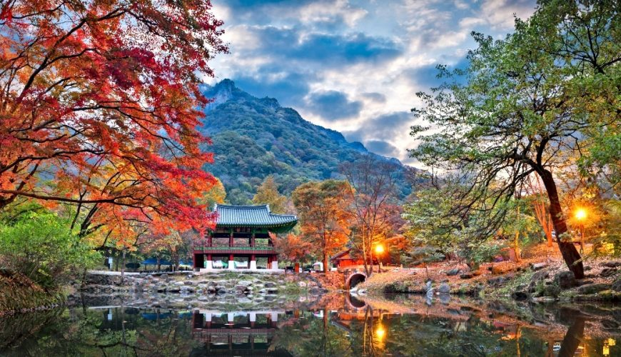 Baekyangsa Temple in Autumn,Naejangsan Park in_Discover South Korea