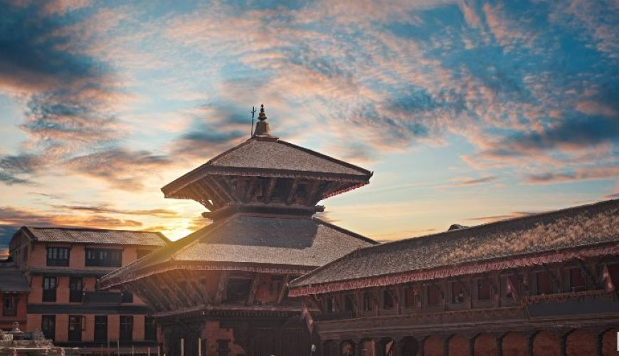 Evening-view-of-Durbar-Square-in-Bhaktapur.jpg